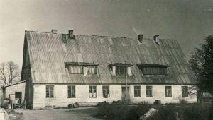 Kullaaru mõisahoone ümberehitatuna, umbes 1960. RM F 140:4, SA Virumaa Muuseumid, http://www.muis.ee/museaalview/1909938.