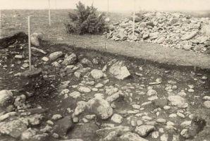 Kloodi linnus, arheoloogilised kaevamised 1951.a. RM F 87:129, SA Virumaa Muuseumid, http://www.muis.ee/museaalview/2018380.