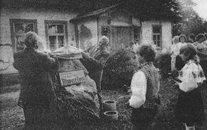 "Foto: E. Kapstas, 3.06.1989, ""Viru Sõna""."