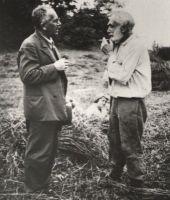 Gustav Suits (vasakul) ja Kustav Kreutzwald (Fr. R. Kreutzwaldi lelle Tõnise pojapoeg). Kaarlis, 23.07.1934. DrKM F 286:2, Dr.Fr.R.Kreutzwaldi Memoriaalmuuseum, http://www.muis.ee/museaalview/975117.