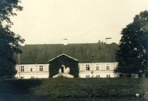 Vaeküla Mõisa algkool Rägavere vald, RM F 105:142, SA Virumaa Muuseumid, http://www.muis.ee/museaalview/1305875.