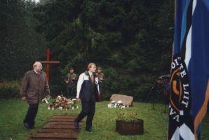 Mart Laar ja Tõnis Lukas mälestusüritusel. Foto: Hanno Tamm, 21.09.2004. Väike-Maarja muuseum.