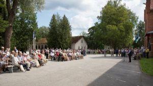 Avamisürituse fotode autorid: Ain Paloson ja Erik Lööper. Kõneleb MTÜ Jäneda Muuseumi juhataja Georgi Särekanno.
