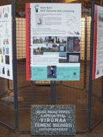"""Foto: Heiki Koov, november 2008. Mälestustahvel oli sügisel 2008 Tallinnas Okupatsioonide muuseumis näitusel """"Lääne-Virumaa punamonumendid""""."""