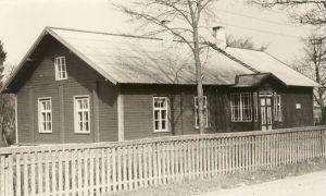 Avispea koolimaja, RM F 485:16, SA Virumaa Muuseumid, http://www.muis.ee/museaalview/1874297.