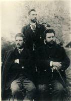 Kirjandusrühmituse Väike-Maarja parnass liikmed Jakob Tamm, Jakob Liiv, Otto Münther, RM F 22:5, SA Virumaa Muuseumid, http://www.muis.ee/museaalview/1930692.