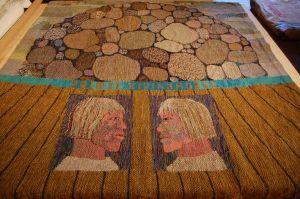 """Elgi Reemets, vaip """"Palmse kivikangud"""", 2.15 x 1.50 meetrit, 1984. ETDM R_ 9970 42197 j Te, Eesti Tarbekunsti- ja Disainimuuseum, http://www.muis.ee/museaalview/1647643."""