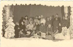 """Stseen E. Tammlaane näidendist """"Valge lagendik"""". Lavastatud Rakvere Näitlejate Ringis 1937.a. RM F 311, SA Virumaa Muuseumid, http://www.muis.ee/museaalview/1976802."""