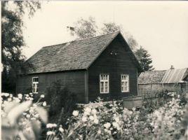 Imbi Valgemäe sünnikodu Roela Tammiku külas, RM F 510:30, SA Virumaa Muuseumid, http://www.muis.ee/museaalview/1770436.