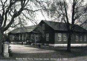 Roela kool u. aastal 1950. Ferdinand von Wrangelli nimelise Roela Lasteaed-Põhikooli arhiiv.