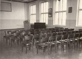 Tudu koolimaja aula, RM F 355:25, SA Virumaa Muuseumid, http://www.muis.ee/museaalview/1880065.