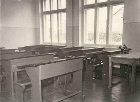 Tudu koolimaja klassiruum, RM F 355:29, SA Virumaa Muuseumid, http://www.muis.ee/museaalview/1880079.