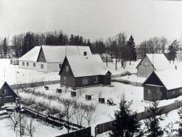 Osake Tudu metsapunkti töölisasulast, kus tööliste kasutada on mugavad korterid., EPM FP 672:27, Eesti Põllumajandusmuuseum, http://www.muis.ee/museaalview/1216614.